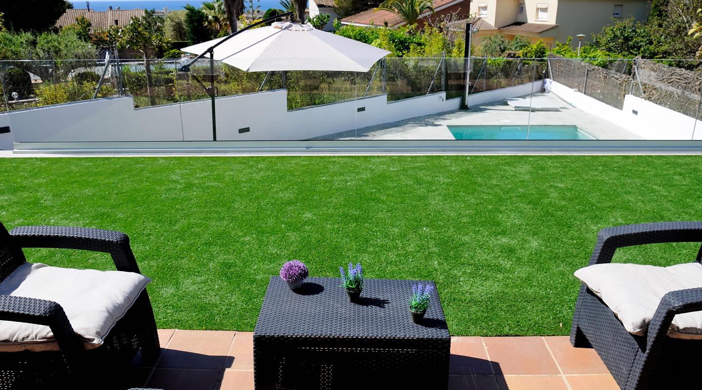diseño de piscina terral de dalt -